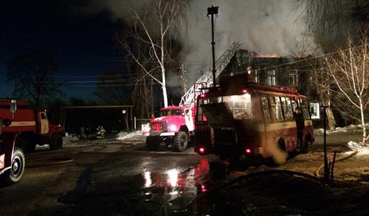 Пожарные из Удмуртии спасли 9 человек из горящего дома