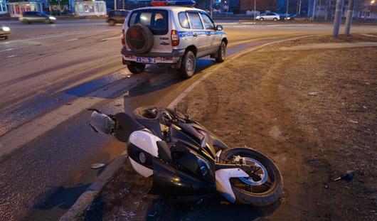 В Ижевске водитель мотоцикла попал в аварию, пытаясь скрыться от ДПС
