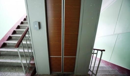 Законно ли с ижевчан собирают взнос на установку нового лифта?