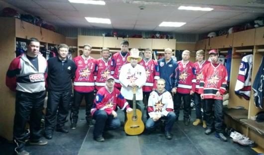 Почему лидер фан-клуба болельщиков «Ижстали» полюбил хоккей