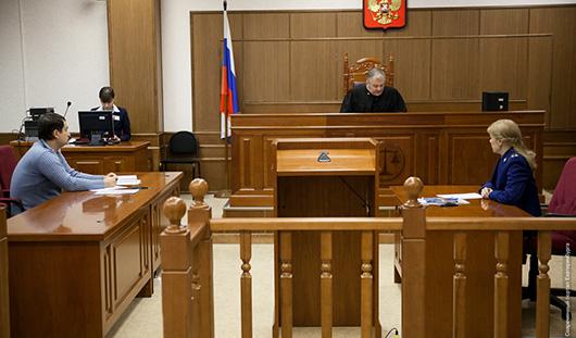 В Ижевске адвокат пытался передать подсудимому наркотики во время суда
