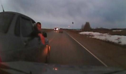 В Удмуртии полицейские задержали двух пьяных водителей во время погони