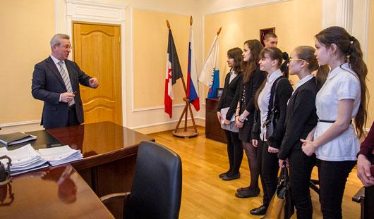 Глава города Александр Ушаков рассказал ижевским школьникам о работе органов местного самоуправления
