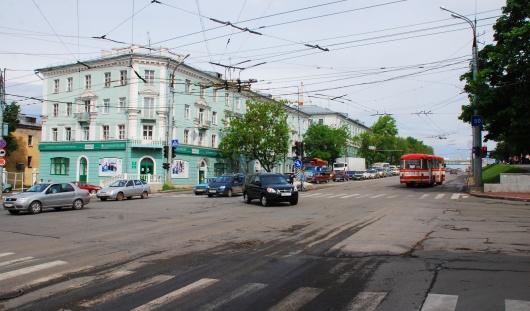 В Ижевске на улице Удмуртской около УдГУ запретили поворот