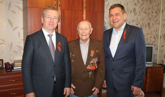 Глава Ижевска Александр Ушаков поздравил ветеранов Ленинского района с юбилеем Победы