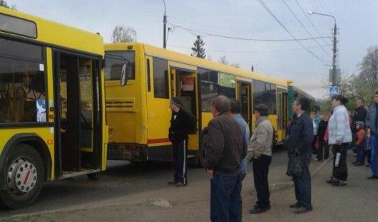 В Ижевске столкнулись три автобуса