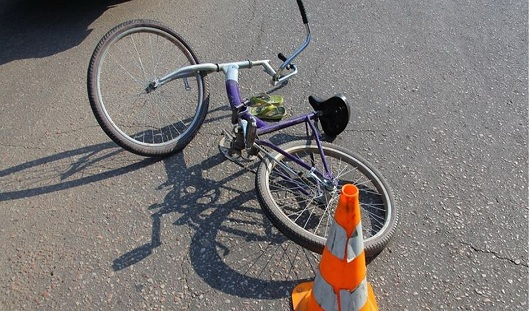 В Як-Бодьинском районе Удмуртии велосипедист попал под колеса КамАЗа