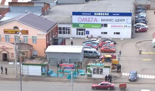В Ижевске у «Макдональдса» сносят остановочный комплекс