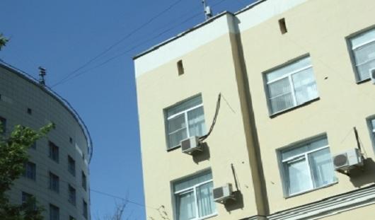 В Ижевске мужчина погиб, упав с 3-го этажа торгового центра