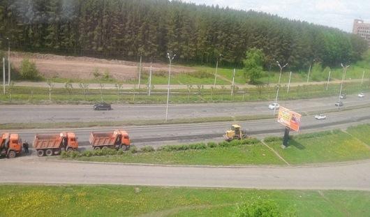 В Ижевске на улице 40 лет Победы закончили укладывать первый слой асфальта