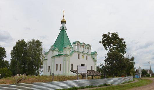 В новом храме села Бураново прошла первая служба