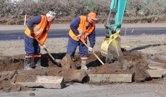 Коммунальщики восстановят асфальт на улице Нижней за свой счет