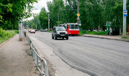 На улице 30 лет Победы в Ижевске начали укладывать асфальт