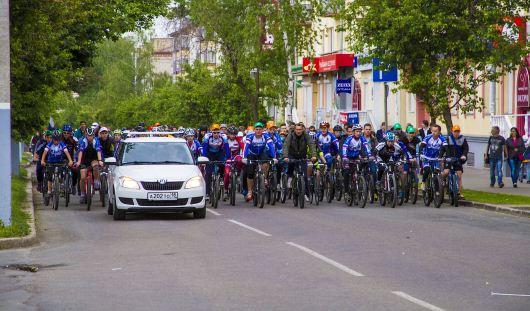 2000 ижевчан приняли участие в велопараде в День города