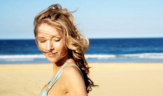 Как ухаживать за кожей и волосами летом?