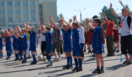 Глава города Ижевска Александр Ушаков поздравил ижевчан с Днем молодежи