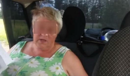 В Удмуртии пьяная пенсионерка пыталась уехать от сотрудников ГИБДД