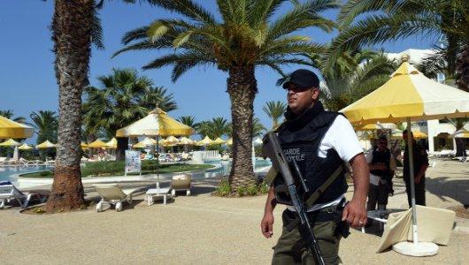Сотни туристов отказываются от отдыха и покидают Тунис после кровавого теракта