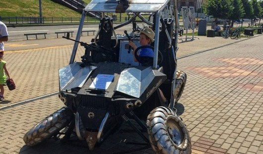 В Ижевске сломали скульптуру железного квадроцикла