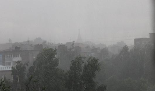 Из-за грозы более 1000 жилых домов Удмуртии остались без электричества