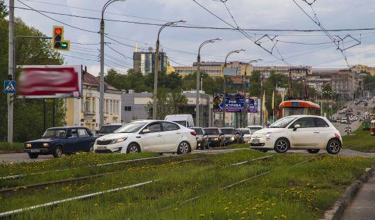 Трамвайные рельсы на перекрестке улице Карла Маркса-Чугуевского в Ижевске сделают ниже в июле