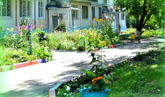 В Ижевске в этом году в конкурсе «Цветущий город» будет три двора-победителя