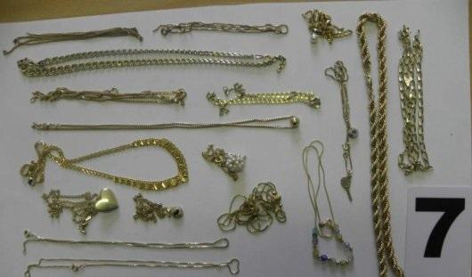 МВД Удмуртии ищет владельцев похищенных ювелирных изделий
