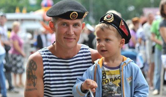 День ВМФ в Ижевске: концерт, макароны по-флотски, перекрытие дорог и запрет на продажу алкоголя