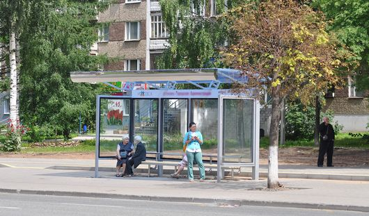 До конца года в Ижевске навесами оборудуют 10 остановок