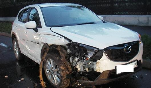 Пьяная ижевчанка на «Мазде» устроила аварию на набережной