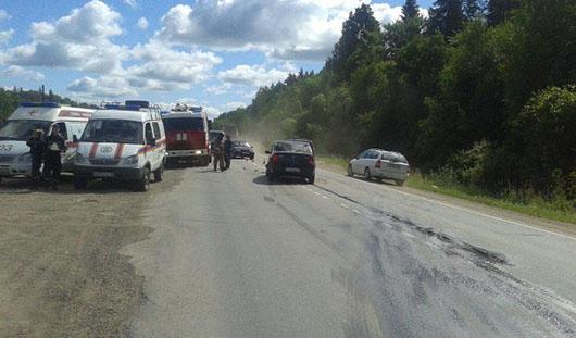Женщина и 7-летний мальчик получили травмы в аварии на трассе под Ижевском