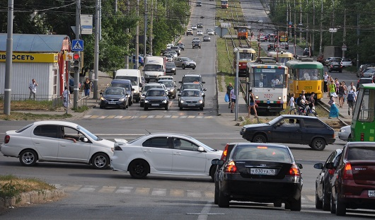 В Ижевске на перекрестке улиц К. Маркса и К. Либкнехта изменили настройки светофора