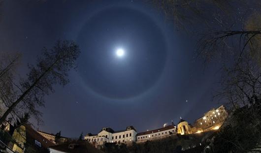 Голубая Луна и санкции США против концерна «Калашников»: о чем утром говорят в Ижевске