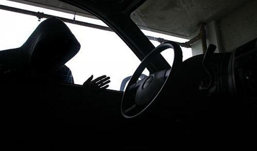 Ижевчанин угнал машину у бывшей сожительницы
