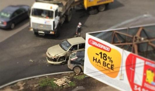 В Ижевске водитель, ехавший по встречке, столкнулся с «Фордом»