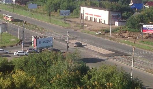 В Ижевске раньше срока открыли движение на перекрестке Чугуевского и Карла Маркса
