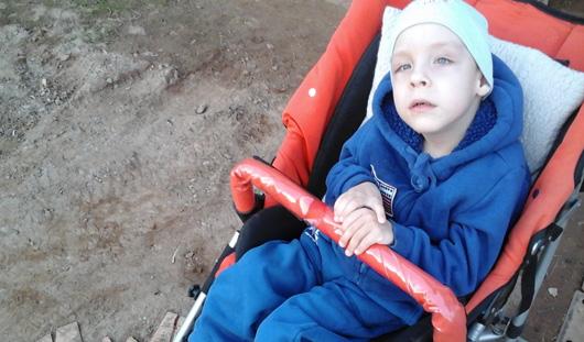 Нужна помощь: 5-летний Кирилл из Воткинска мечтает научиться стоять