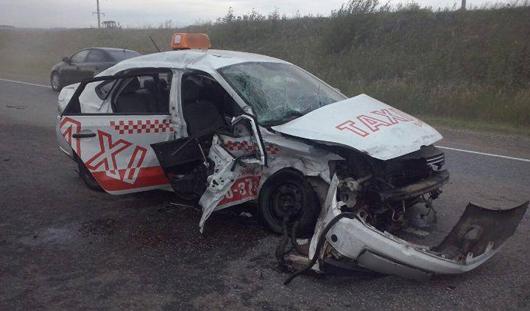 В Удмуртии в ДТП на трассе погибла пассажирка такси