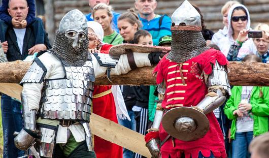 Первый исторический фестиваль в Удмуртии: недочеты в организации и зрелищные бои витязей