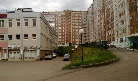 Через весь 10-этажный дом на улице Ленина в Ижевске пошла трещина
