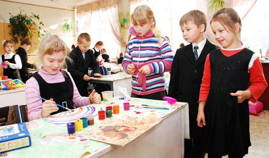 В Ижевске продолжается благотворительная акция «Помоги собрать ребенка в школу»