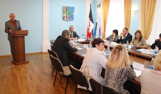 Глава города Александр Ушаков провел заседание Консультационного совета по межнациональным отношениям
