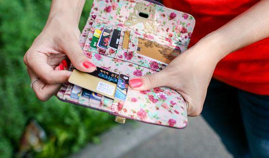 В Ижевске активизировались мошенники, списывающие деньги с карт владельцев смартфонов