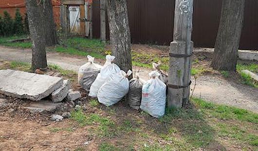 В муниципалитете Ижевска продолжается работа по уборке мусора на улицах города