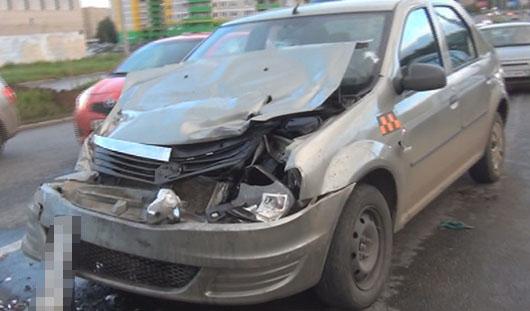 В Ижевске пьяный водитель устроил аварию на улице 40 лет Победы