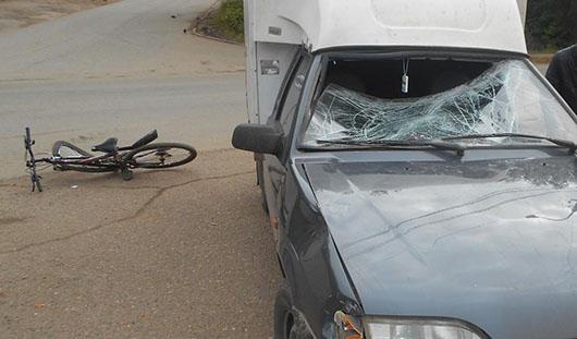 В Удмуртии легковушка сбила 11-летнего велосипедиста