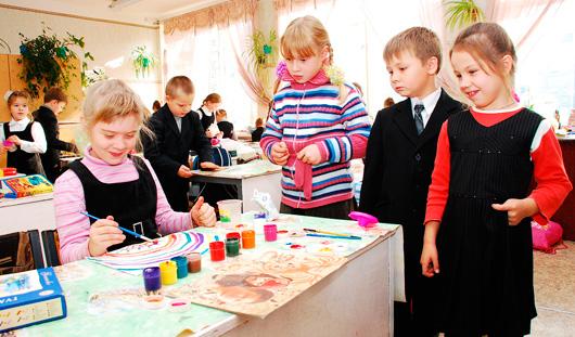 Благотворительная акция «Семья - семье: поможем школьникам» продолжилась в Ижевске