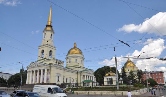 В соборе Александра Невского в Ижевске установили новые колокола