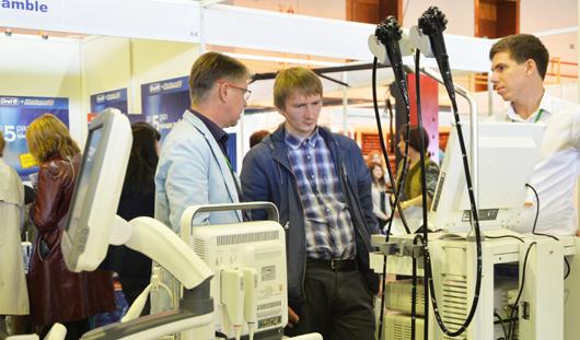 На выставках в Ижевске можно увидеть спецодежду из термостойкой ткани, «умный» домофон и медоборудование