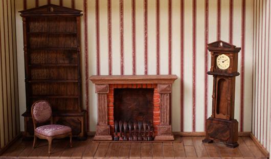 Мебель со спичечный коробок: житель Ижевска сделал настоящий дом в миниатюре